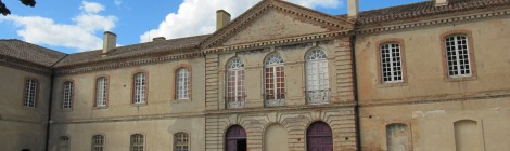 Façade d'entrée de l'abbaye