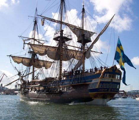 Trois-mâts carré Götheborg (Suède), construit entre 1995 et 2003, réplique d'un navire marchand du XVIIIe siècle